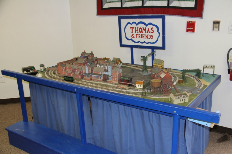 Thomas-Table